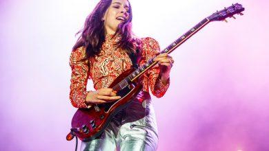 Photo of Un estudio de Fender revela que el 50% de los nuevos guitarristas son mujeres