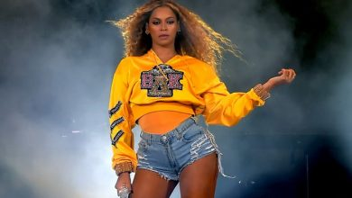"""Photo of Netflix lanzó el trailer de """"Homecoming"""", el documental de la histórica presentación de Beyonce en Coachella"""