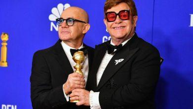 """Photo of Elton John ganó el Globo de Oro por la canción de su película autobiográfica """"Rcoketman"""""""