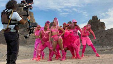 """Photo of Mirá el nuevo video de Lady Gaga, """"Stupid Love"""", filmado totalmente por un teléfono inteligente"""